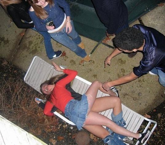 пьяных обканчивают