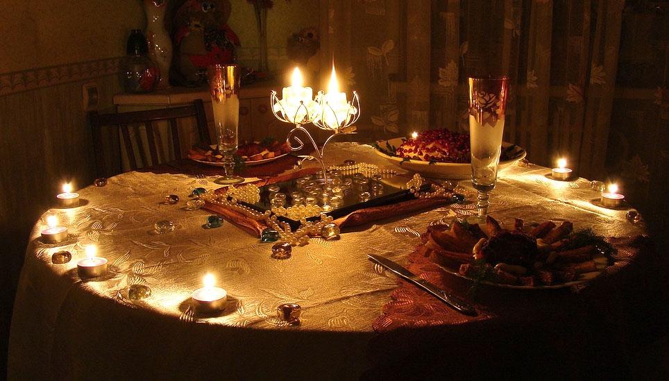 Картинки романтический ужин при свечах на двоих дома