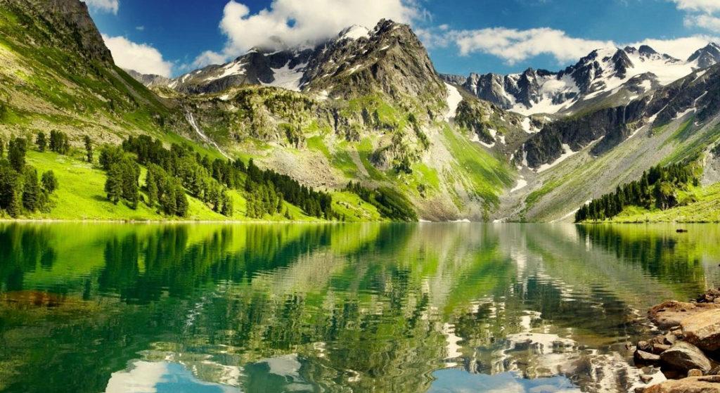 красивый отдых в России летом в Алтае